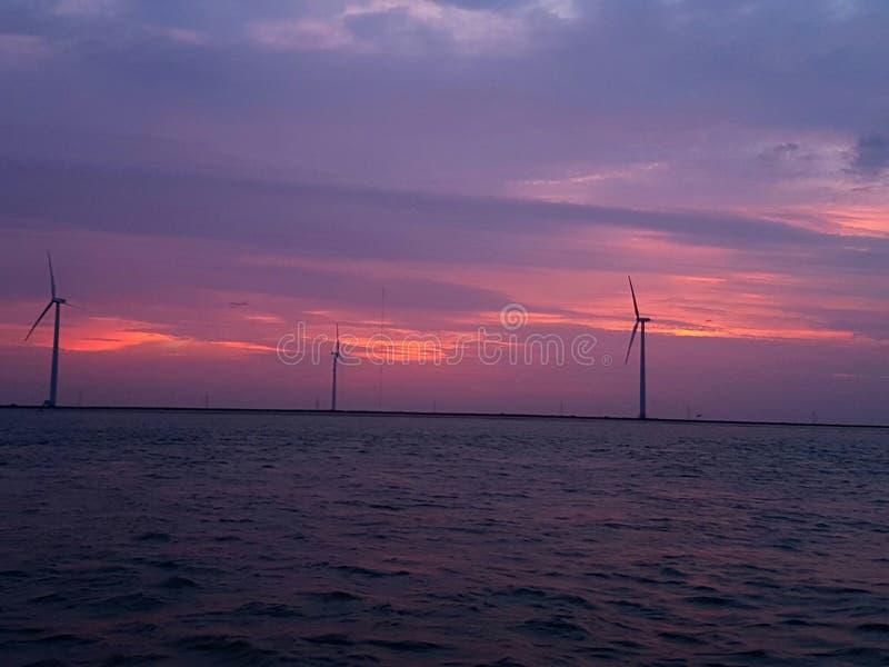 Moulins à vent de Karachi images libres de droits