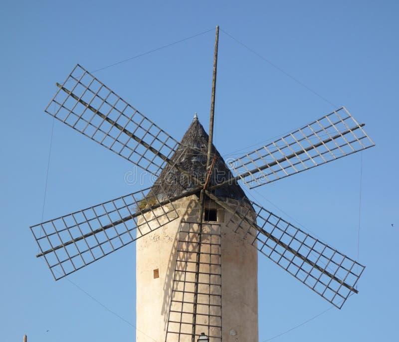 Moulins à vent du ` s de Majorque photos libres de droits