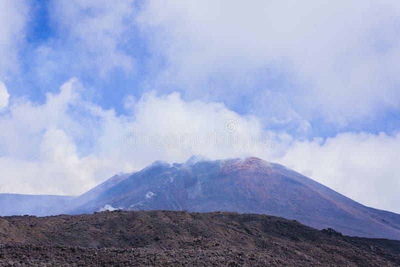 Mount Etna aktiv vulkan på ostkusten av Sicilien, Italien arkivbilder