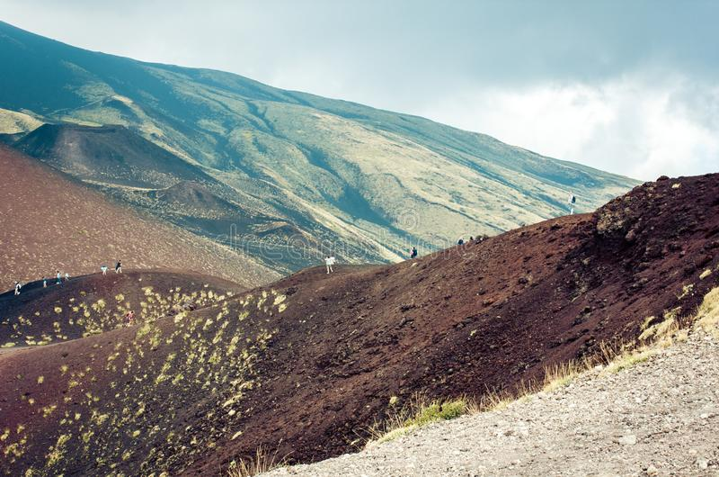 Mount Etna aktiv vulkan på ostkusten av Sicilien, Italien royaltyfri foto