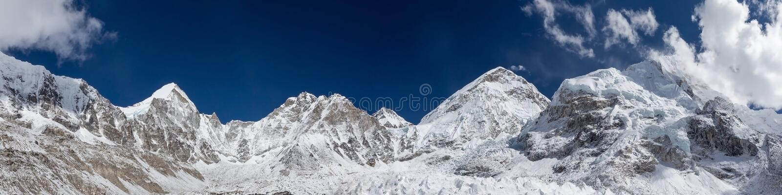 Mount Everest-Panorama lizenzfreie stockfotos