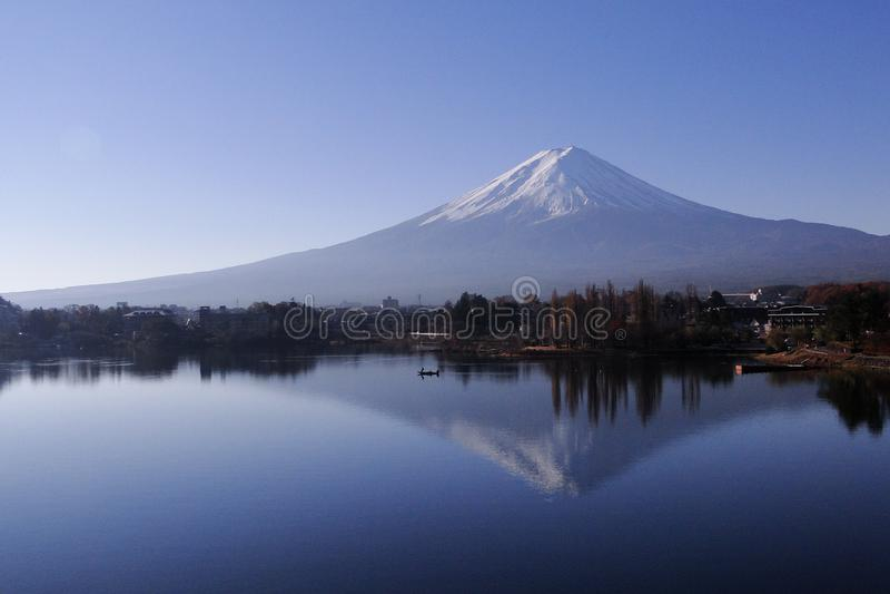 Mount Fuji - иконическое Японии стоковые фотографии rf