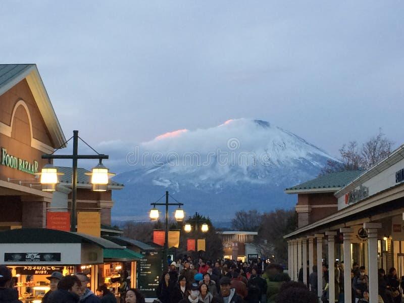 Mount Fuji beskådade från Gotemba högvärdigt uttag fotografering för bildbyråer