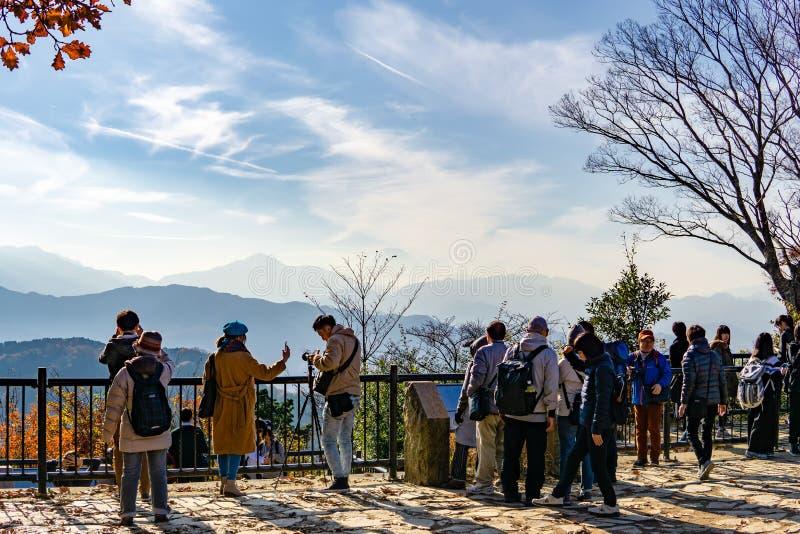 Mount Fuji sikt från överkant av monteringen Takao Takao-San, TOKYO, JAPA arkivfoto