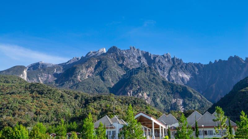 Mount Kinabalu i Sabah fotografering för bildbyråer