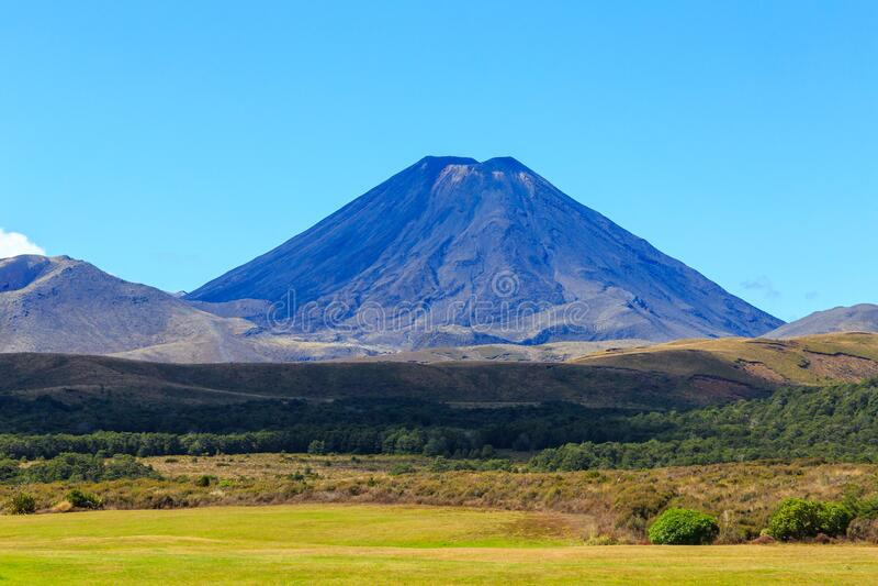 Mount Ngauruhoe Mount Doom immagine stock libera da diritti