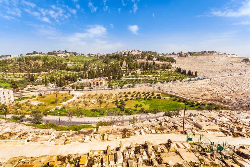 Mount of Olives och den gamla judiska kyrkogården i Jerusalem, Israel royaltyfria foton