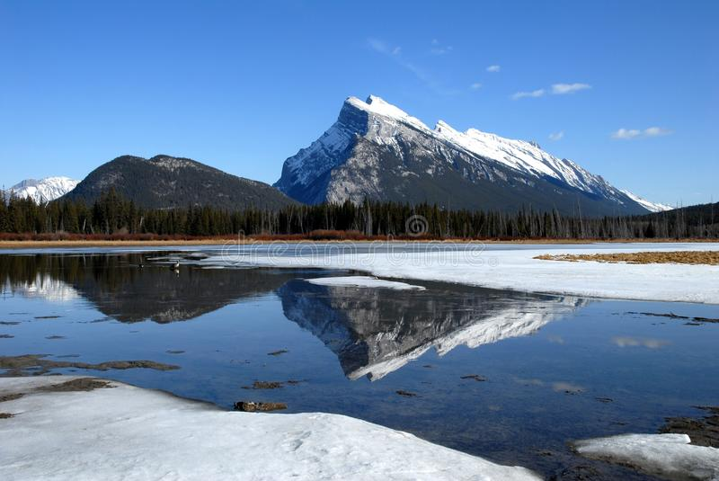 Download Mount Rundle And Vermilion Lakes In Winter,Canadian Rockies,Canada Stock Image - Image of rockies, nature: 32764493