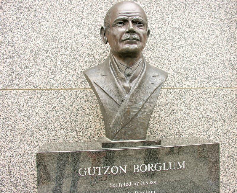 MOUNT RUSHMORE, ЮЖНАЯ ДАКОТА - ОКОЛО ИЮНЬ 2005: Gutzon Borglum s стоковые изображения