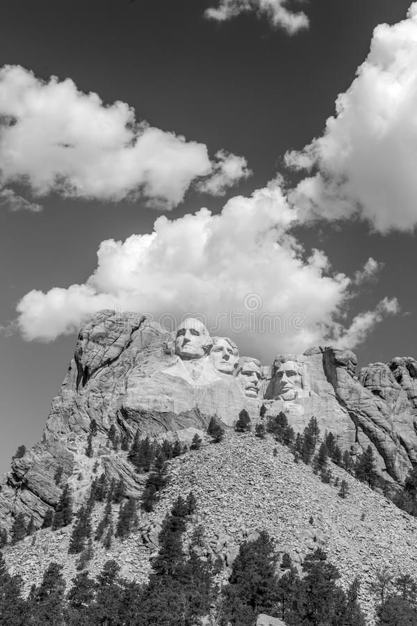 Mount Rushmore nationell minnesmärke i svartvitt royaltyfria bilder