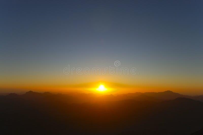 Mount Sinai soluppgång - Egypten royaltyfria bilder