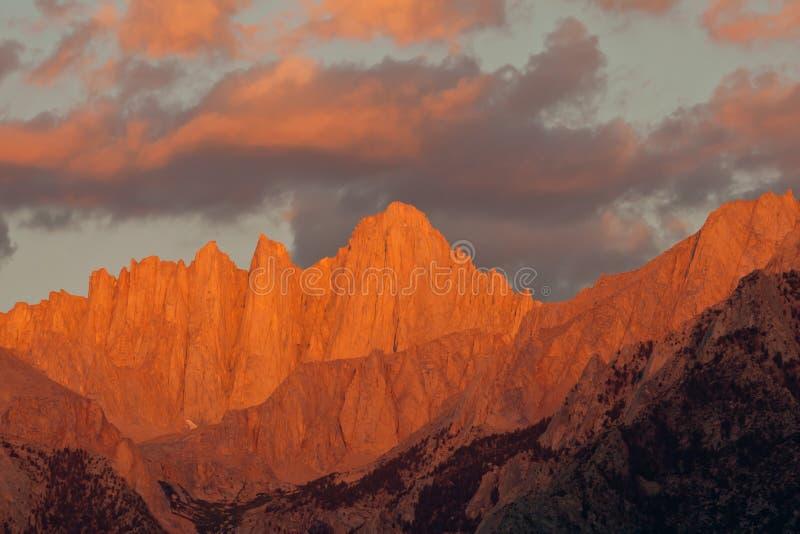 Mount- Whitneysonnenaufgang lizenzfreies stockfoto