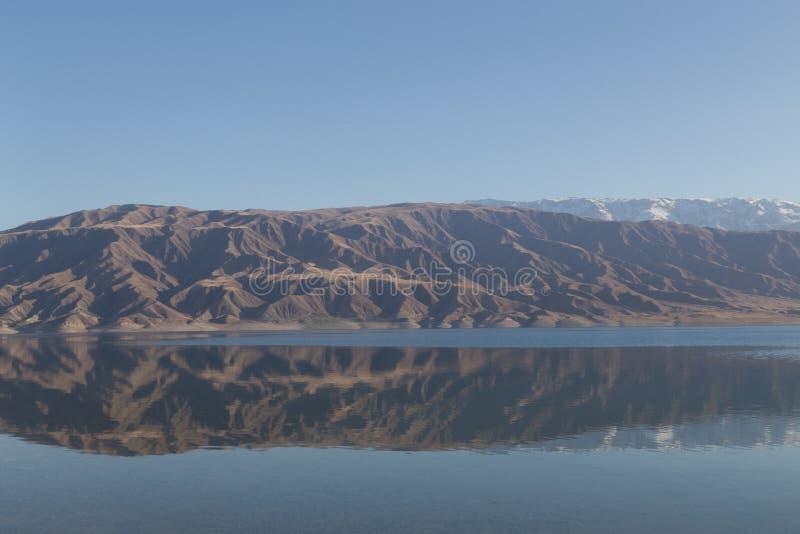 Mountain湖在吉尔吉斯斯坦 库存图片