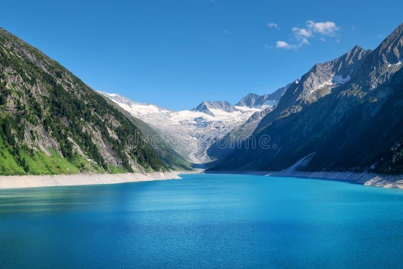 Mountain湖在奥地利 在白天的高山区域 在奥地利山的自然风景 免版税库存图片