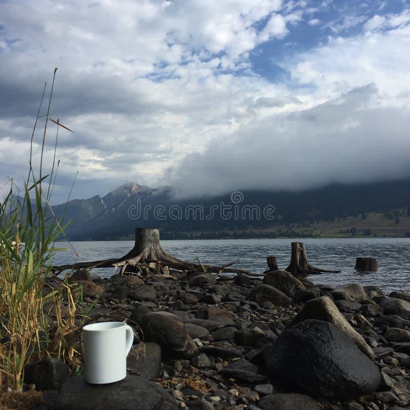 Mountain湖在西蒙大拿 免版税库存照片