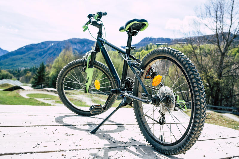 Mountain Bike Standing. At the start of a run royalty free stock photos