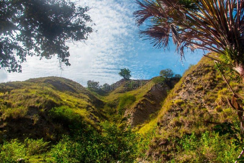Mountain Kawatuna Landscape i Kawatuna, Palu, Central Sulawesi, Indonesien arkivbilder