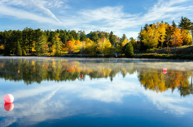 Mountain Lake on an Autumn Early Morning royalty free stock photos