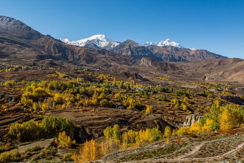 Mountain landscape in autumn. Annapurna circuit trek in Nepal stock photography
