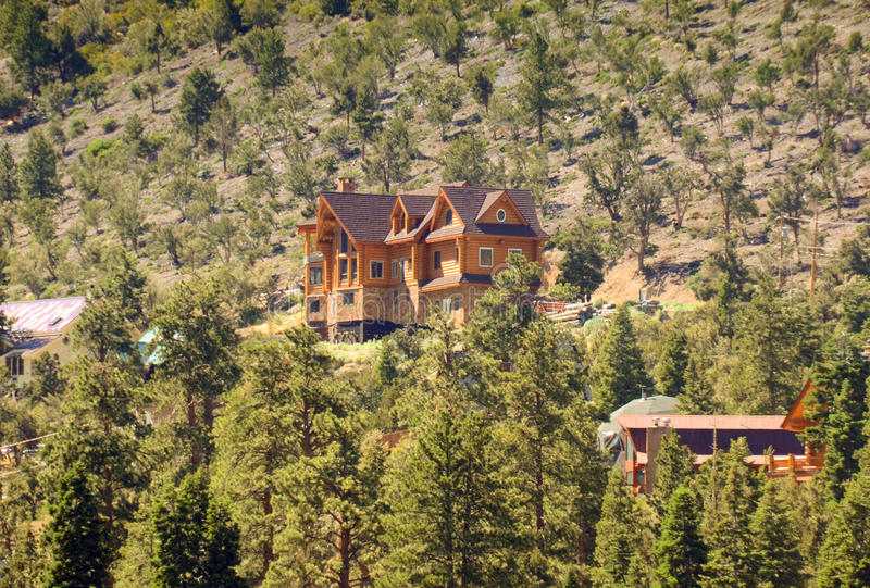 Download Mountain Lodge Royalty Free Stock Image - Image: 25458816