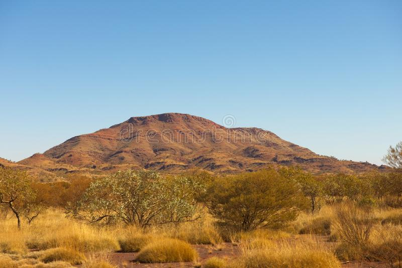 Mountain Pilbara buiten Australië landschap royalty-vrije stock afbeelding