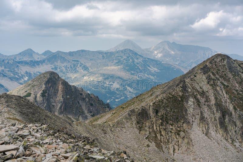 Mountain Pirin vom Gipfel Polezan stockbild