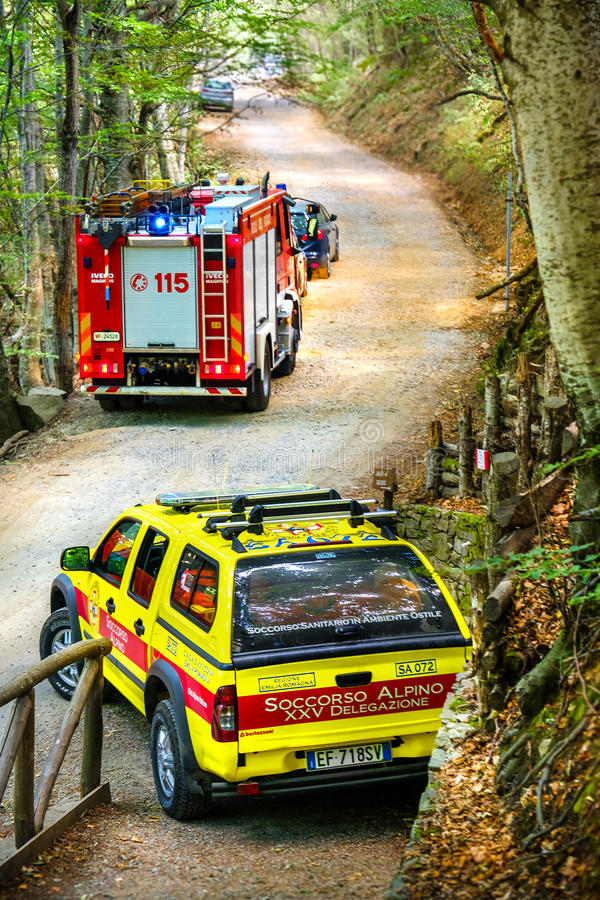 Free Mountain Rescue Car Soccorso Alpino Vehicle Fire Truck Royalty Free Stock Image - 98870476