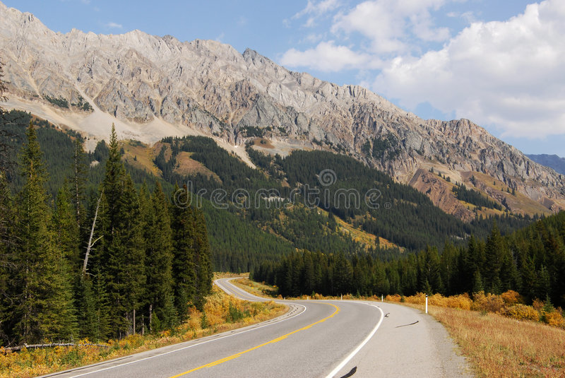 Download Mountain Road Stock Image - Image: 6965821