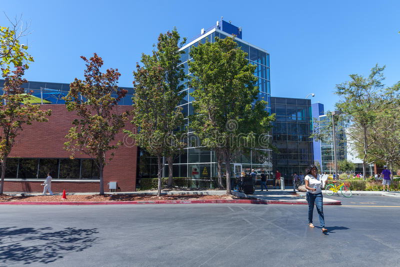 MOUNTAIN VIEW, CA, los E.E.U.U. - 14 de agosto de 2014: Vista exterior de Google fotos de archivo