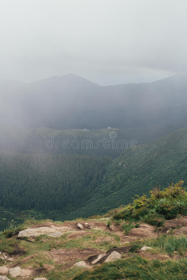 Mountain View da Hoverla, Ucraina fotografia stock libera da diritti