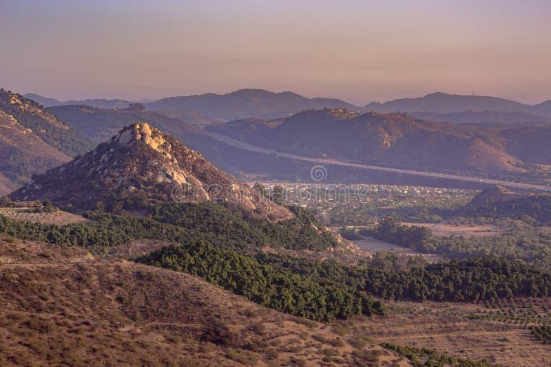Mountain View di Monserate in Fallbrook California fotografia stock libera da diritti