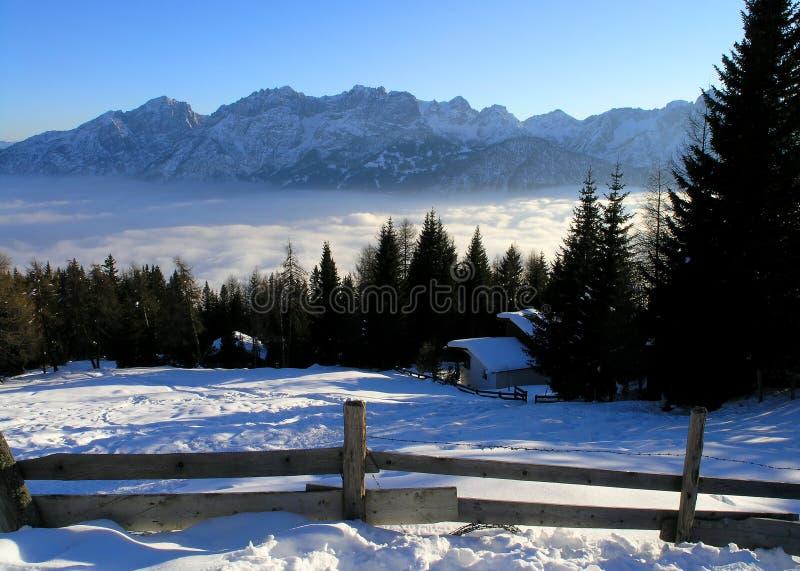 Mountain View em Áustria (Lienz) foto de stock