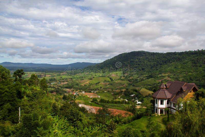 Mountain View en el día nublado fotografía de archivo libre de regalías