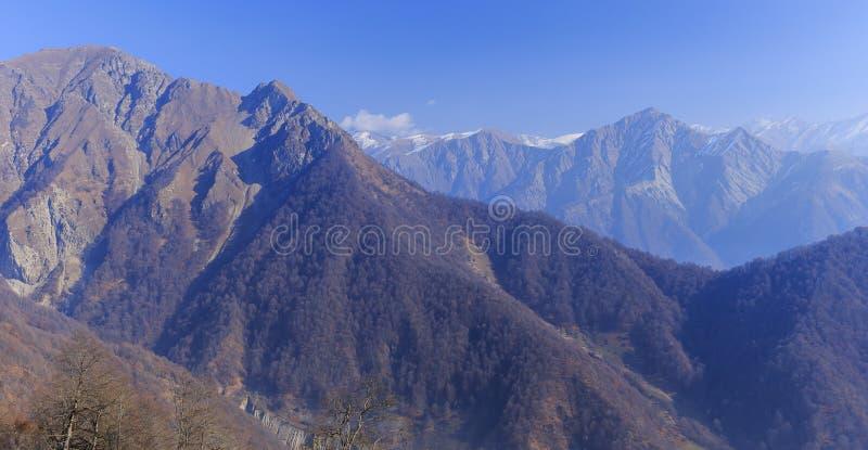 Mountain View Kaukaz Wielkie góry Tufandag Gabala Azerbaija zdjęcia stock