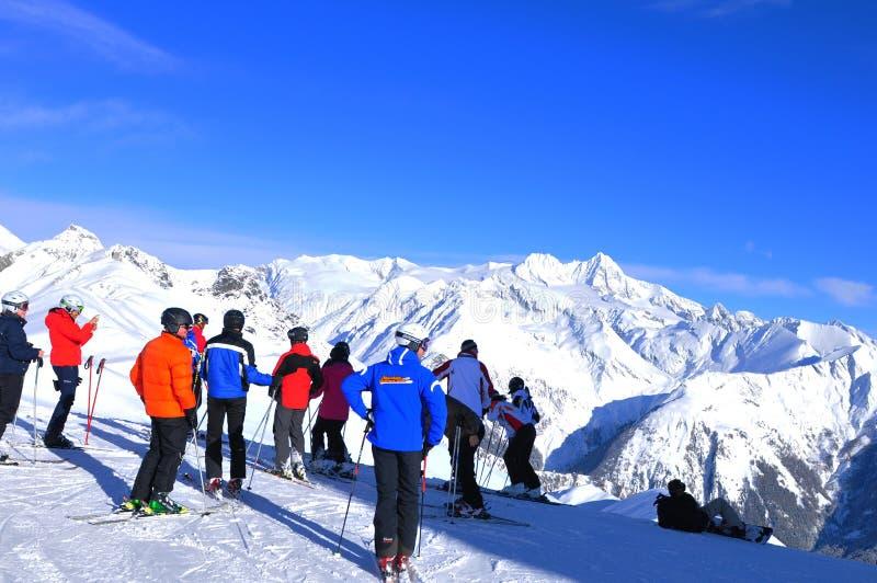 Mountain View panorâmico das montanhas da neve de Grossglockner imagem de stock royalty free