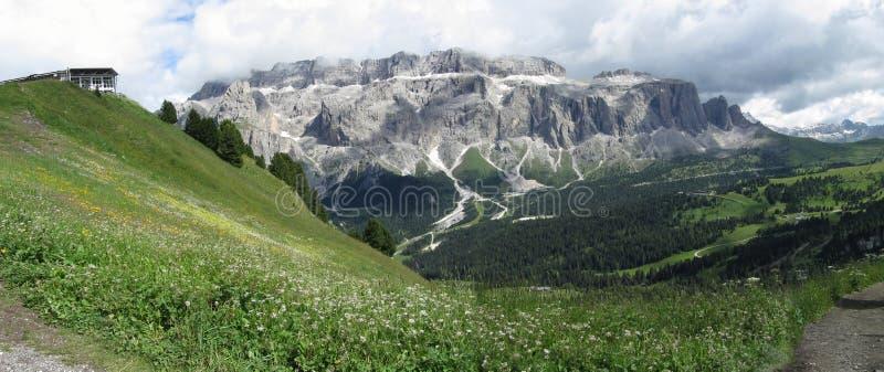 Mountain View panoramique des dolomites de la montagne de Champinoi, Selva di Valgardena, Tyrol du sud - Italie photos stock