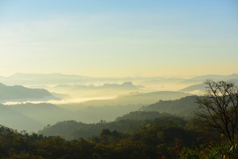 Mountain View por la mañana antes del amanecer fotos de archivo libres de regalías