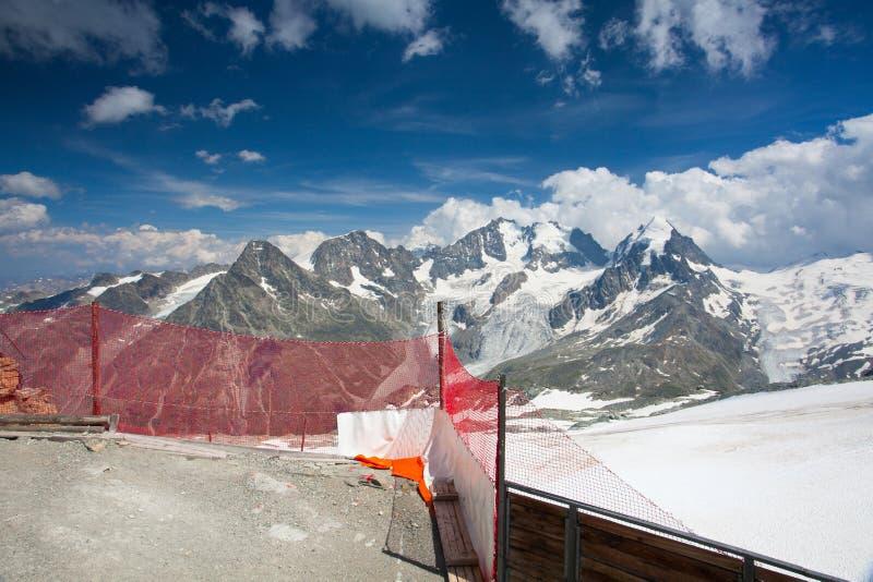 Mountain View von Piz Corvatsch lizenzfreie stockfotos