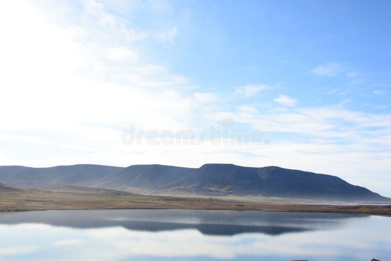 Mountainmirror fotografia stock