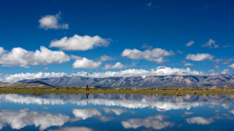 Download Mountains And Lake In Qinghai-Tibet Plateau Royalty Free Stock Photo - Image: 27451585