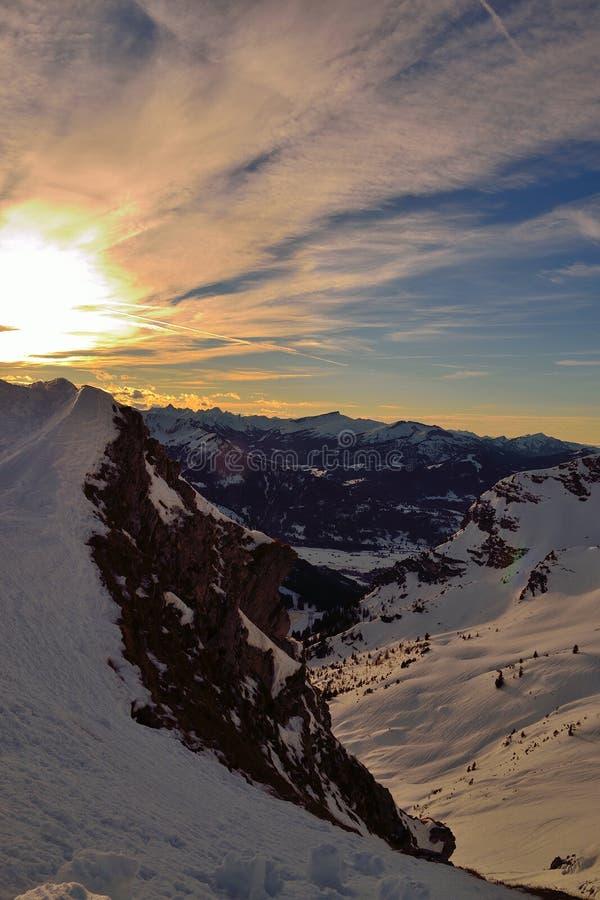 Mountainscapealpen suneset stock afbeeldingen