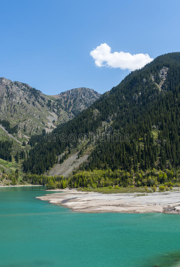 Mountainsee, Kasachstan stockbilder