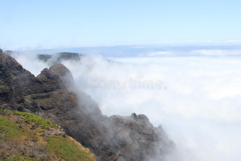 Mountainview επάνω από τα σύννεφα στοκ φωτογραφία με δικαίωμα ελεύθερης χρήσης