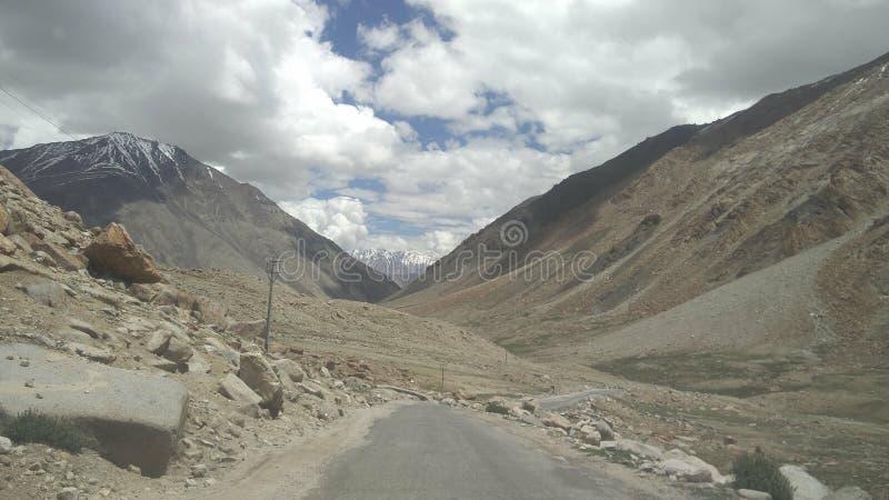 Mountais am leh Indien beim Reisen lizenzfreies stockbild