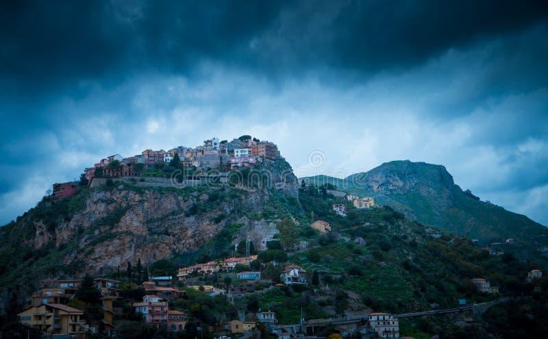 Mountans dans Taormina photos libres de droits
