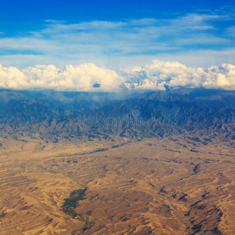 Mountans i rzeki doliny krajobraz, lokacja - Jeziorny Tekapo, Południowa wyspa, Nowa Zelandia, widok od góry John fotografia stock