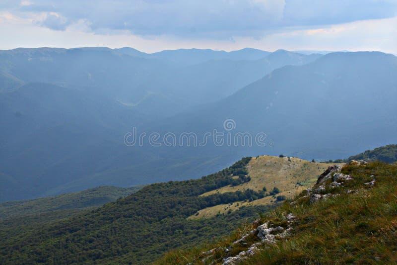 Mountauns em Crimeia foto de stock