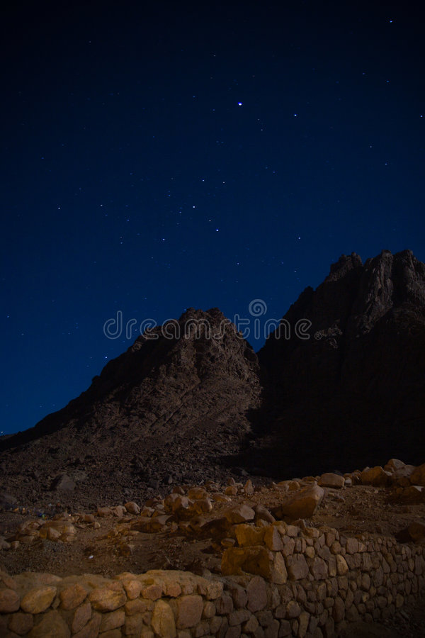 Free Mountin At Night Stock Photo - 626180
