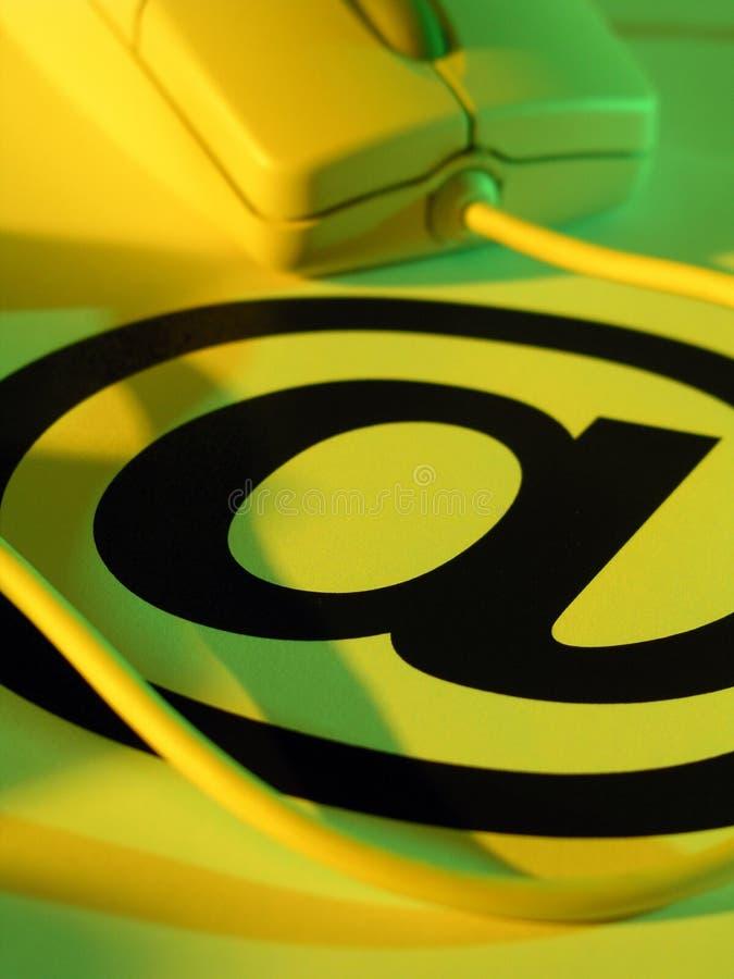Mouse del calcolatore e @ simbolo fotografie stock libere da diritti