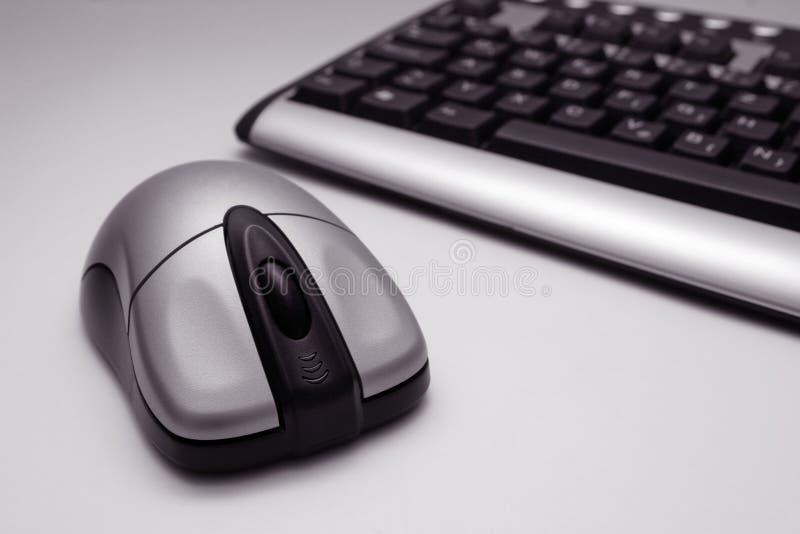 Mouse e tastiera senza fili fotografie stock libere da diritti